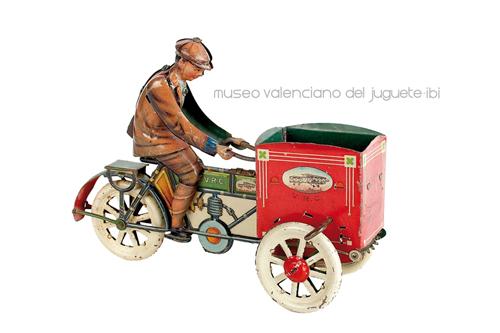Moto con carromato – Verdú, Rico y Cía.